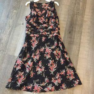 NWT any Taylor loft size 6 dress